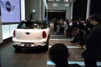 「ミニマリズム」が反映されたMINIクロスオーバーは、8車種のうちすべてのMTモデルと「クーパーS クロスオーバー」のATモデルの計5車種が、エコカー減税(75%)の対象となる。