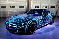 『劇場版 仮面ライダードライブ サプライズ・フューチャー』(2015年8月8日公開)では「メルセデスAMG GT」がライダーマシンとして登場する。