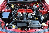 今回の改良では6段MT仕様のエンジンの最高出力、最大トルクを向上。一部の改良部品は、6段AT仕様と共有される。