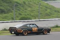 1972年の東京モーターショーにイメージモデルとして出展されたものの、一度もサーキットに姿を現さず「幻のGT-R」と呼ばれたケンメリGT-R(KPGC)。数年前に日産でショーカーがレストアされ「ニスモフェスティバル」でサーキットデビューを果たしたが、これはそのレプリカ。よく出来ている。