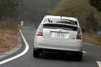 【テスト車のオプション】ホワイトパールクリスタルシャイン塗装=3万1500円/HDDナビゲーションシステム+JBLプレミアムサウンドシステム+G-BOOK ALPHA対応=12万1800円/寒冷地仕様=2万3100円)