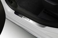 「プジョー3008」の新エントリーモデル限定発売の画像