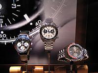 こちらはタグホイヤーの「AUAVIA」で、その昔、F1ドライバーのジョー・シフェールが本当につけてたもの。ま、貰ったんだろうけど。アイルトン・セナのタグホイヤーしかり、昔からクルマ好きって時計好きとカブってたんだろうね。