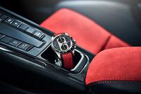 車両のリリースと同時に、そのオーナーに向けた腕時計「ポルシェデザイン911 GT2 RSクロノグラフ」も発表された。