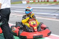 ツーリングカーレース出身であるため、実はカートは2度目という、F1パイロットのビタリー・ペトロフも参戦。