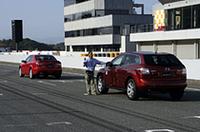 """サーキット走行未経験でも、いきなり全開走行!安全確保のためにペースカーが""""一応""""誘導してくれる。"""