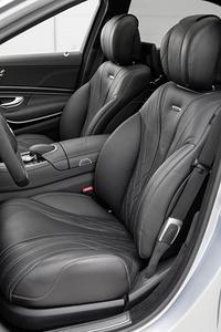AMGモデルのフロントシート。