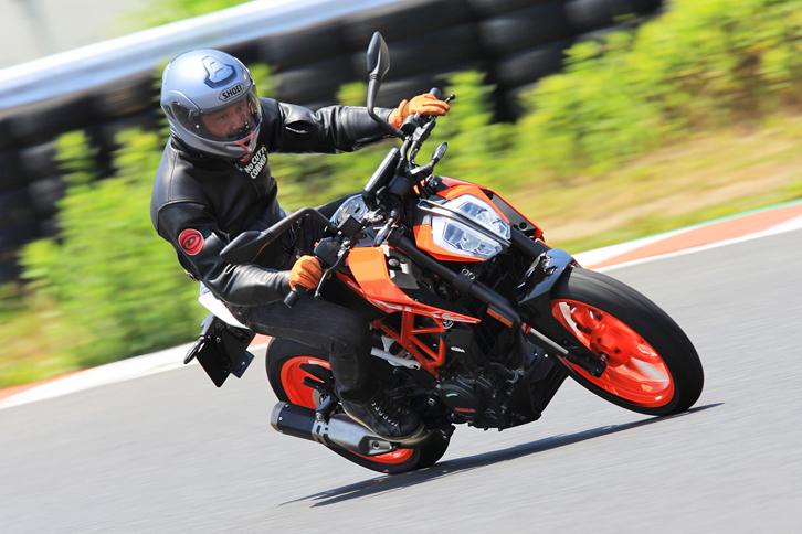 KTM125デューク/250デューク/390デューク/1290スーパーデュークGT【試乗記】