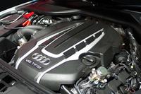 435psを発生する4リッターV8直噴ツインターボエンジン。