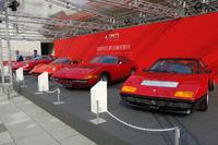 フェラーリの歴代モデルが両国国技館周辺を彩る。写真手前から「512BB」「365GTB/4デイトナ」「ディーノ206GT S」「275GTB/4」「250GTB SWB」