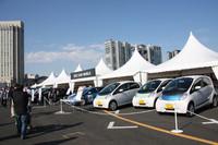 時代を反映して設けられた、各社のエコカーを揃えた「エコカーワールド」。同乗走行も行われた。