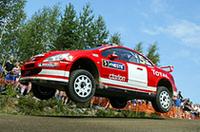 プジョーのグロンホルム、地元フィンランドで今季初V!【WRC 04】の画像