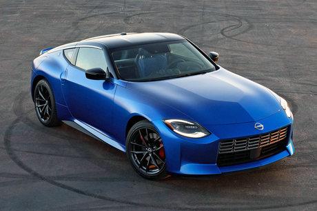 日産がアメリカで7代目となる新型「Z」(日本名「フェアレディZ」)を発表した。歴代のモデルをモチーフに...