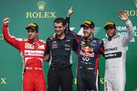 カナダGPの表彰台。優勝はレッドブルのセバスチャン・ベッテル(写真左から3番目)、2位はフェラーリのフェルナンド・アロンソ(同一番左)、そして3位はメルセデスのルイス・ハミルトン(同一番右)。(Photo=Red Bull Racing)