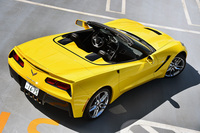 テスト車は、7代目となる最新型「コルベット」のオープンモデル。日本では、クーペに遅れること約1カ月、2014年5月末に発売された。