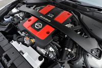 搭載される3.7リッターV6エンジンは355psと38.1kgmを発生する。