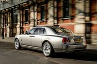 ロールス・ロイスのエントリーモデルとして、2010年にデビューした「ゴースト」。標準モデルとストレッチバージョンである「エクステンデッドホイールベース」の2種類が用意される。