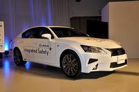 高速道路での自動運転の研究に用いられるトヨタの新しい実験車。