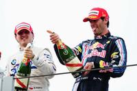 このレースを制したマーク・ウェバー(右)と、2位ロバート・クビサ(左)。今年ドイツGPで念願の初優勝を記録したオーストラリア人は、危なげないレース運びで2勝目をマーク。今年1年苦しんだクビサは今季初表彰台。(写真=Red Bull Racing)