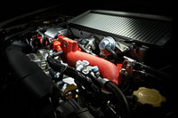 2.5リッター水平対向エンジンは、シングルスクロールタイプのターボチャージャーを備える。