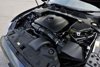 新たに採用された2リッター直4ターボエンジンは240psと34.7kgmを発生する。