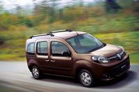 トールワゴンの「カングー」。現行モデルの日本導入は2009年のことだが、今も好調を維持している。