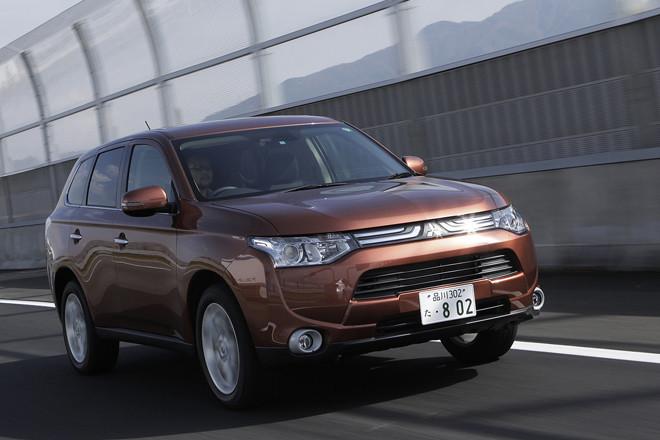 三菱アウトランダー24G Navi Package(4WD/CVT)【試乗記】