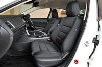 キャビンには全車に運転席&助手席、カーテン&フロントサイドエアバッグを標準装備。米国の衝突安全試験で最高評価を受けるなど、優れた安全性能を誇る。