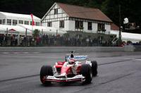 トヨタは、オリヴィエ・パニスが改良版「TF104B」による初ポイントを獲得した。(写真=トヨタ自動車)