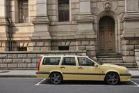 ボルボにとって初の大型FFモデルとして、1991年6月に登場した「850」。ステーションワゴンの「エステート」は1993年2月に追加された。
