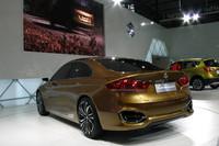 スズキはこのコンセプトカーが示唆する量産車を、2014年末までに中国で生産し、販売する予定。
