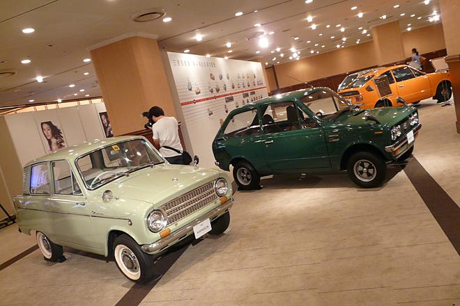 会場では、1960~1970年代の「三菱ミニカ」がお出迎え。