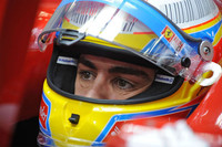 フェルナンド・アロンソは、レッドブルとフェラーリの差を冷静に受け止め、最善を尽くし3位でフィニッシュ。ポイントではベッテルに並ばれたが、ウェバーとの差は3点拡大したのみに抑えた。(写真=Ferrari)