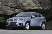 BMWがハイブリッドモデル2車種を公開