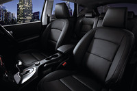 「日産デュアリス」にブラックレザー内装の特別仕様車