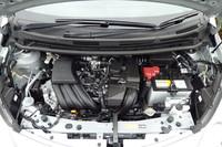 1.2リッター直3自然吸気エンジンは、「マーチ」と同じ79ps/6000rpmと10.8kgm/4400rpmを発生。CVTの変速比もファイナルを含めてマーチと同じ。