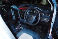 他アストン・マーティン車同様、レザーがふんだんに使われる「シグネット」のインテリア。