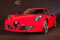 新型スポーツカー「アルファ・ロメオ4C」上陸の画像