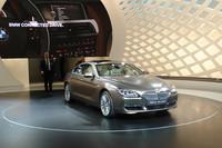 BMW初の4ドアクーペとなる「6シリーズ グランクーペ」。3リッターのツインターボと4.4リッターのツインターボ、さらに3リッターのツインターボディーゼルをラインナップする。