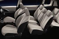 マツダ・プレマシーにツートン内装の特別仕様車の画像