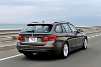 マツダ・アテンザワゴンXD Lパッケージ(FF/6AT)/BMW 320dツーリング スポーツ(FR/8AT)【試乗記】の画像