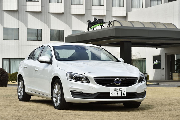 ボルボS60 T3 SE(FF/6AT)/XC60 T6 AWD R-DESIGN(4WD/8AT)【試乗記】