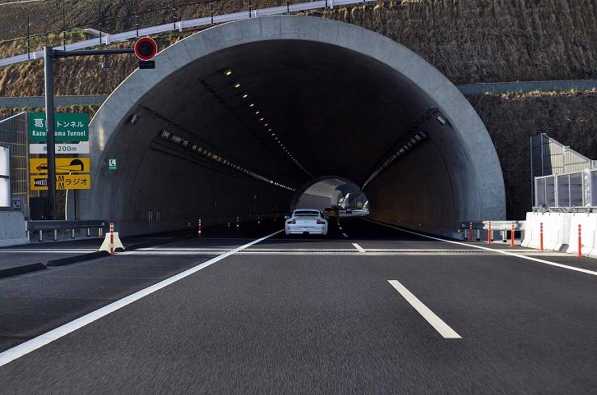 いよいよ神奈川県にも開通した新東名 その車線数に隠された秘密とは ...