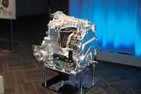 「スカイアクティブ・ドライブ」。発進と停止時以外はすべてロックアップすることで、伝達効率の向上と、MTのようなダイレクト感を実現したとうたわれる。燃費は従来の約4〜7%改善できるという。
