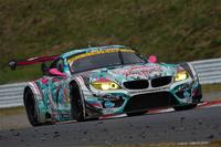 GT300クラスで優勝した、谷口信輝/片岡龍也組のNo.4 GSR 初音ミク BMW。