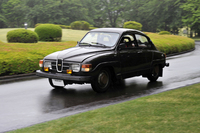 愛車の「サーブ96」。航空機と関係がある自動車メーカーが特に好きで、5台の愛車と暮らした。
