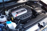 スポーツモデル「S3」の2リッター直4ターボエンジン。最高出力が285psから290psに高められた。
