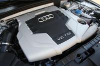 アウディのターボディーゼル「TDIユニット」。3リッターの排気量から240ps、51.0kgmを発生する。