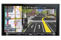 2DINサイズしか付かないが機能や性能はトップレベルのものがほしいという人向けのモデルが「NX715」。インテリジェントボイスが最大3年間無料、地図差分更新も使用開始時から3年間無料となる。