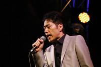 稲垣潤一。ミュージシャン。1982年「雨のリグレット」でデビュー。「夏のクラクション」(1983)や「クリスマスキャロルの頃には」(1992)など数々のヒット曲をリリース。2009年には「男と女」「男と女2」で日本レコード大賞 企画賞を受賞した。  写真提供=アウディジャパン